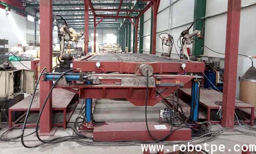 温州松下四台机器人联动焊接汽车桥架